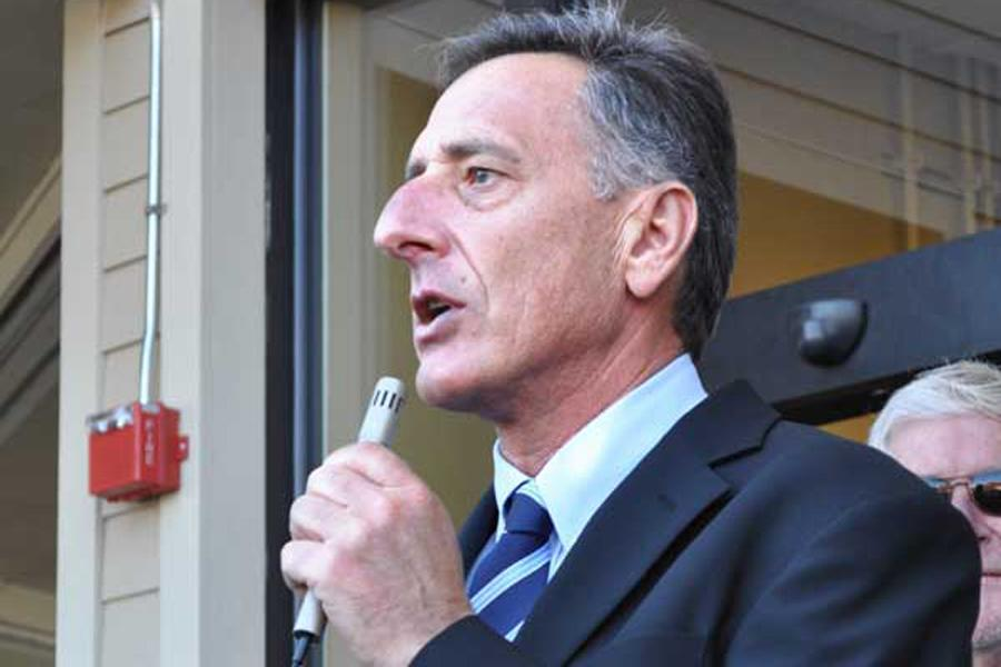 Governor Shumlin speaks at the ribbon cutting of Johnsons Sterling Market.