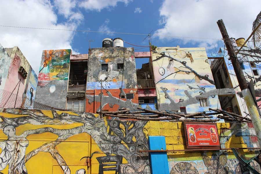 Salvadors mural work on Calle Hamel.