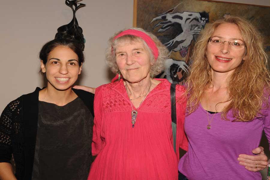 Leila+Bandar%2C+Alexandra+Heller%2C+and+daughter+Diane