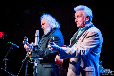 Music duo Del and Dawg perform bluegrass classics