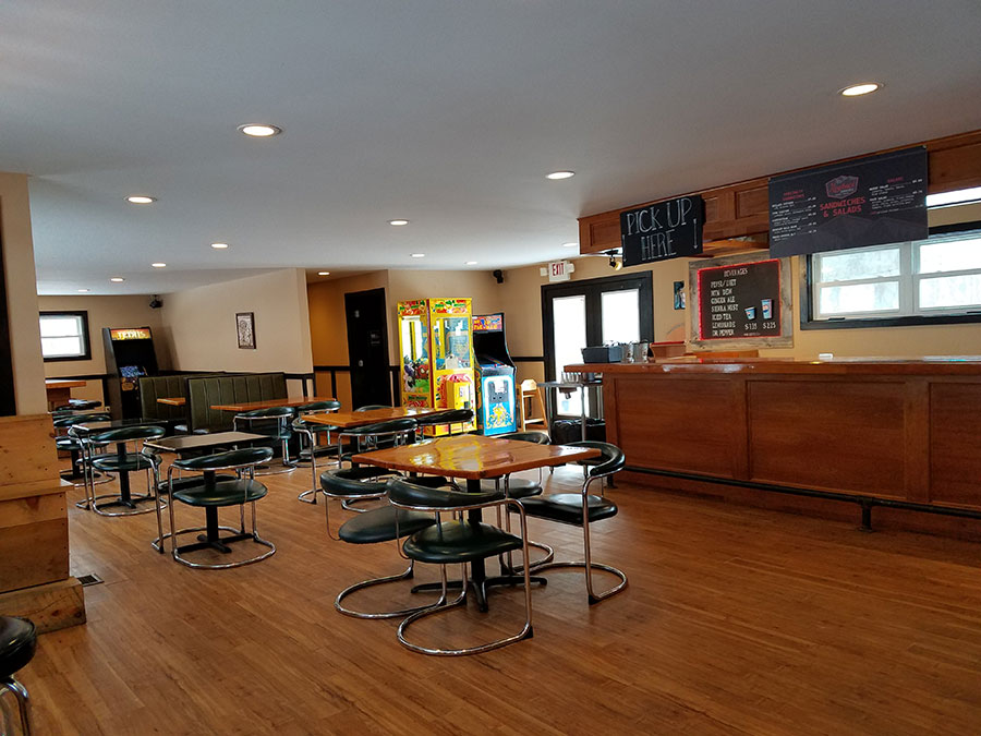 Hogback's dining room